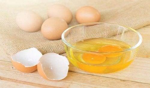 Eier für Auberginenschnitzel