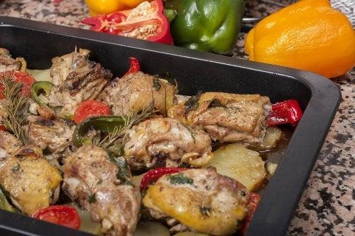 Rezept für gegrilltes Hähnchen mit Kartoffeln und Karotten
