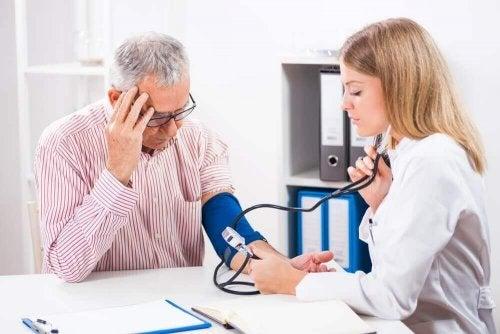 Niedriger Blutdruck: Was hilft dagegen?