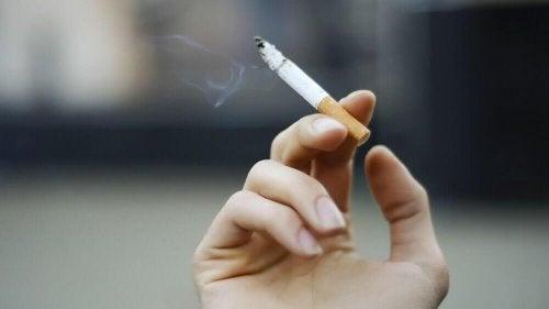 Rauchen kann Nierenschäden auslösen.