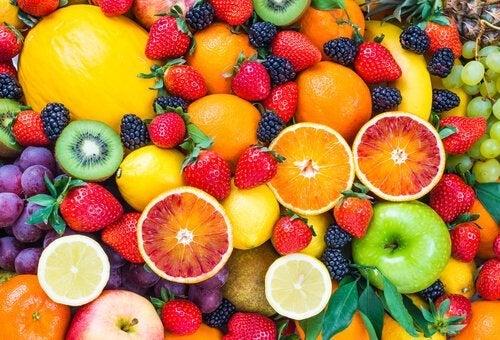Obst und Kohlsuppe zum Abnehmen