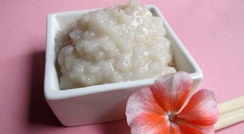 Reis zur Hautreinigung und Schönheitspflege