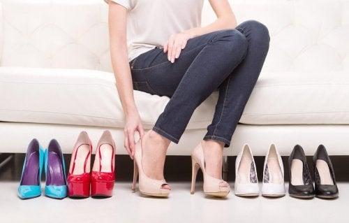 Viele Schuhe mit Absatz