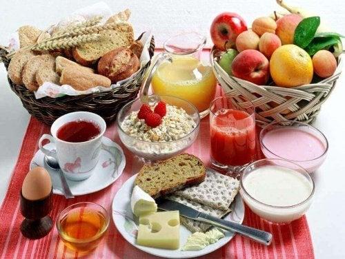 Frühstück mit Tipps zum Abnehmen