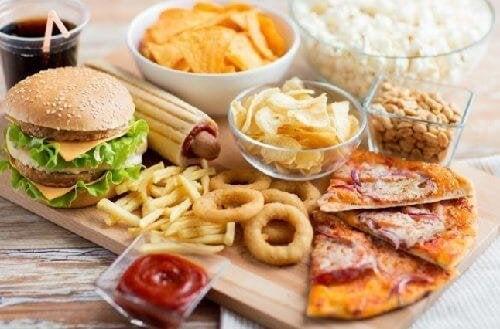 Magenerkrankungen durch ungesundes Essen.