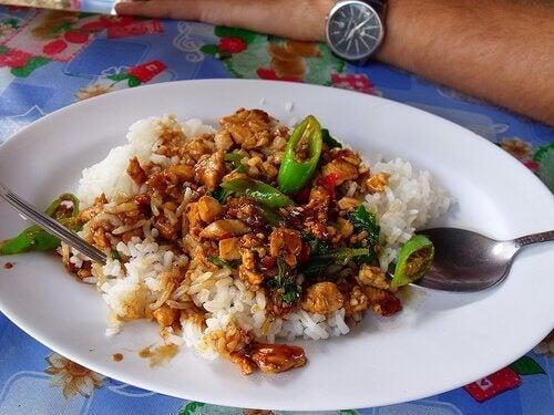 leckere asiatische Reispfanne