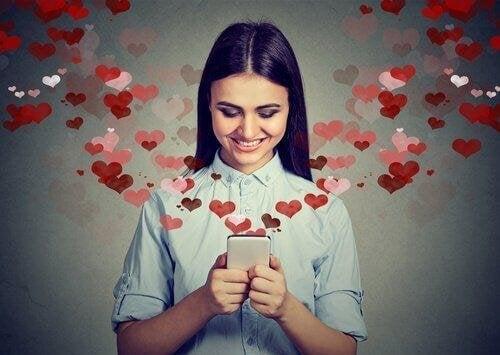 Wer verliebt ist, chattet gern
