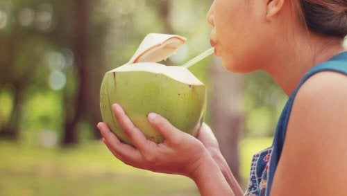 Kokosnusswasser bietet viele Nährstoffe