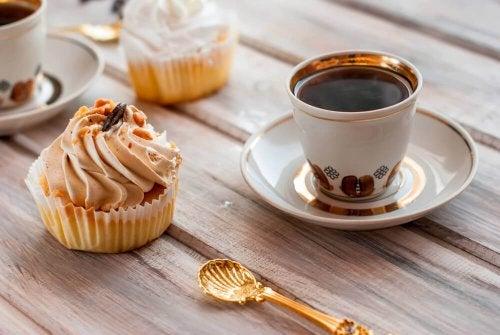 3 Cupcakes mit wenig Zucker zum Frühstück
