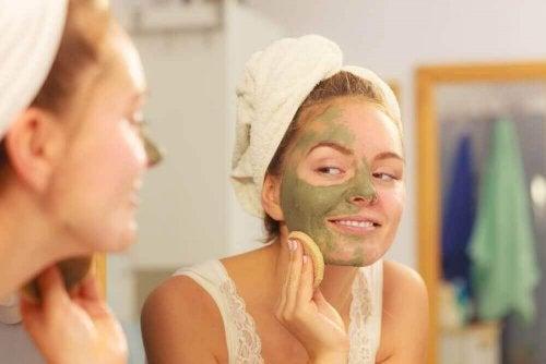 Entgiftungsmaske gegen Haarprobleme