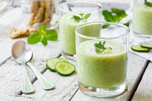 Fenchel, Salatgurke und Sellerie