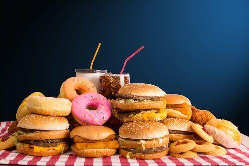 Auf Fastfood verzichten, um ein gesundes Gewicht zu erreichen