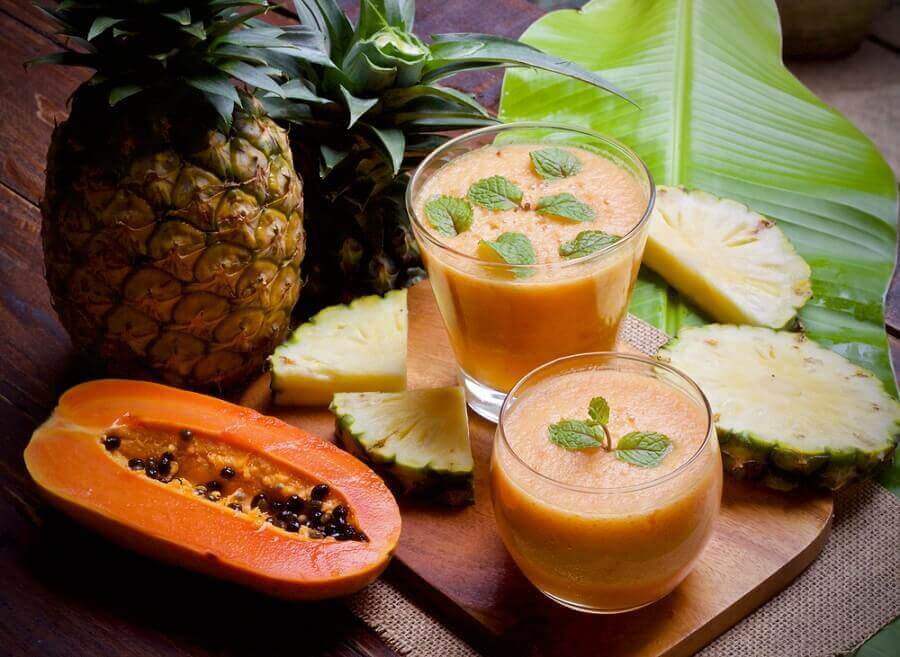 Heilmittel gegen Blähungen: Papaya und Ananas