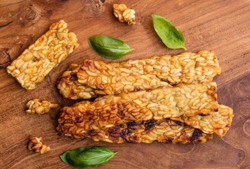 Tempeh ist ein probiotisches Lebensmittel, das aus Indonesien stammt