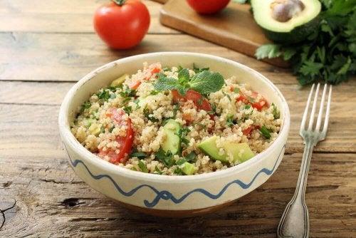 Auch Brokkoli eignet sich super für leckeren Quinoa-Salat.