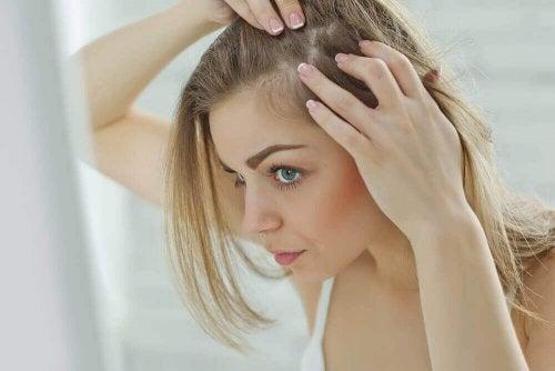 6 Gründe, warum du unter wunder Kopfhaut leidest
