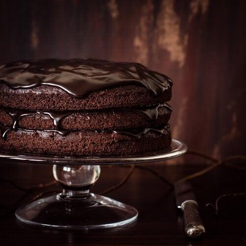 Schokoladenkuchen und Schokocreme