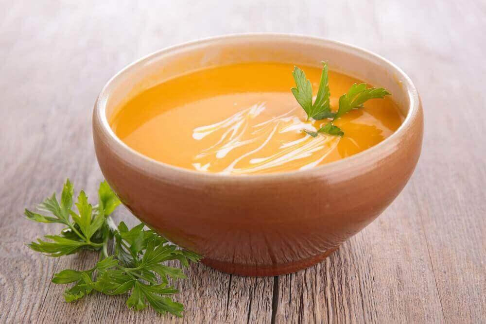 Karottencremsuppe - 2 einfache Rezepte