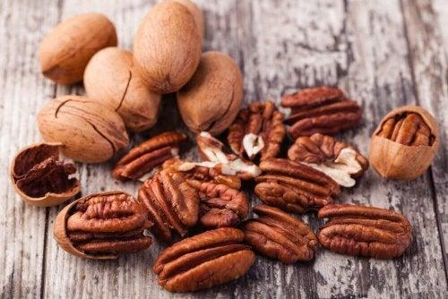 Trockenobst und Nüsse