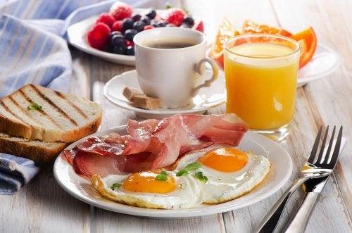 Viele Proteine beim Frühstück