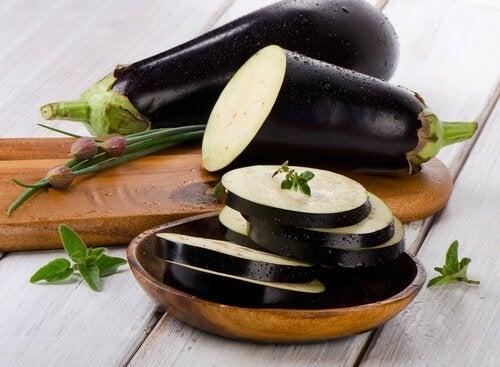 Rezept für Auberginenbällchen mit Spinat