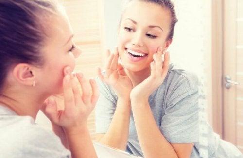 Durch Pflege kannst du Akne loswerden