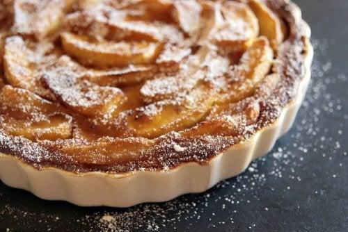 Wie bereitet man den einfachsten Apfelkuchen der Welt zu