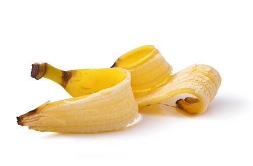 Bananenschalen zur Warzenentfernung