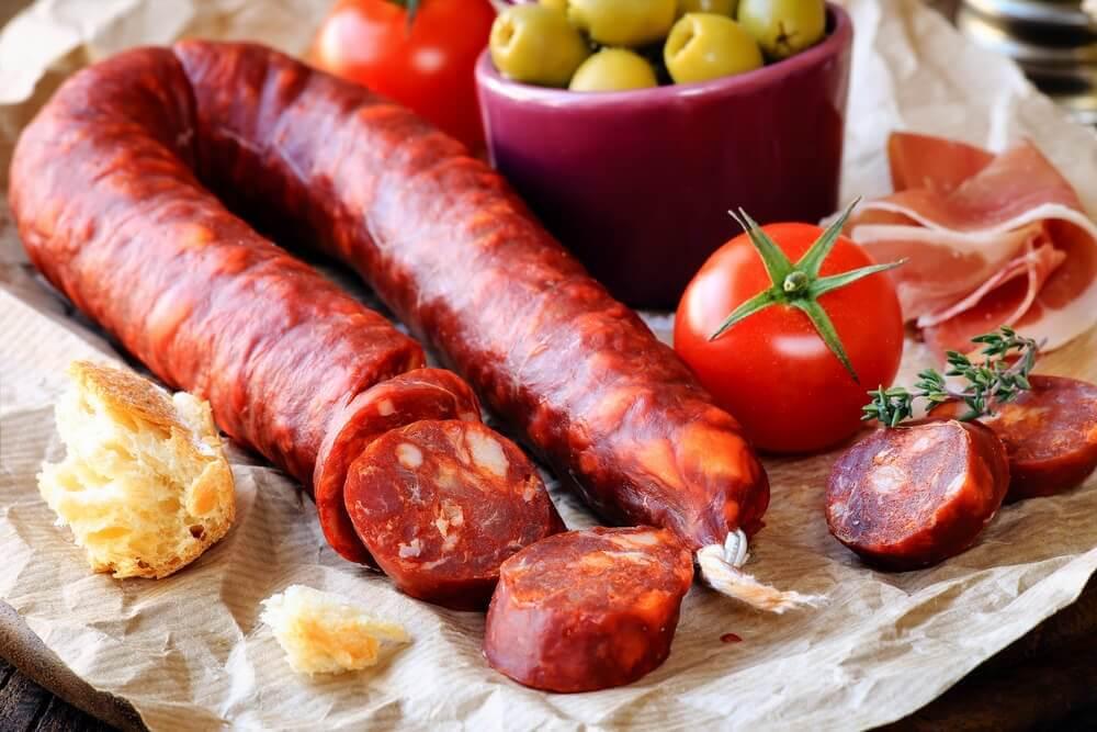 Kartoffeln mit Chorizo und Käse