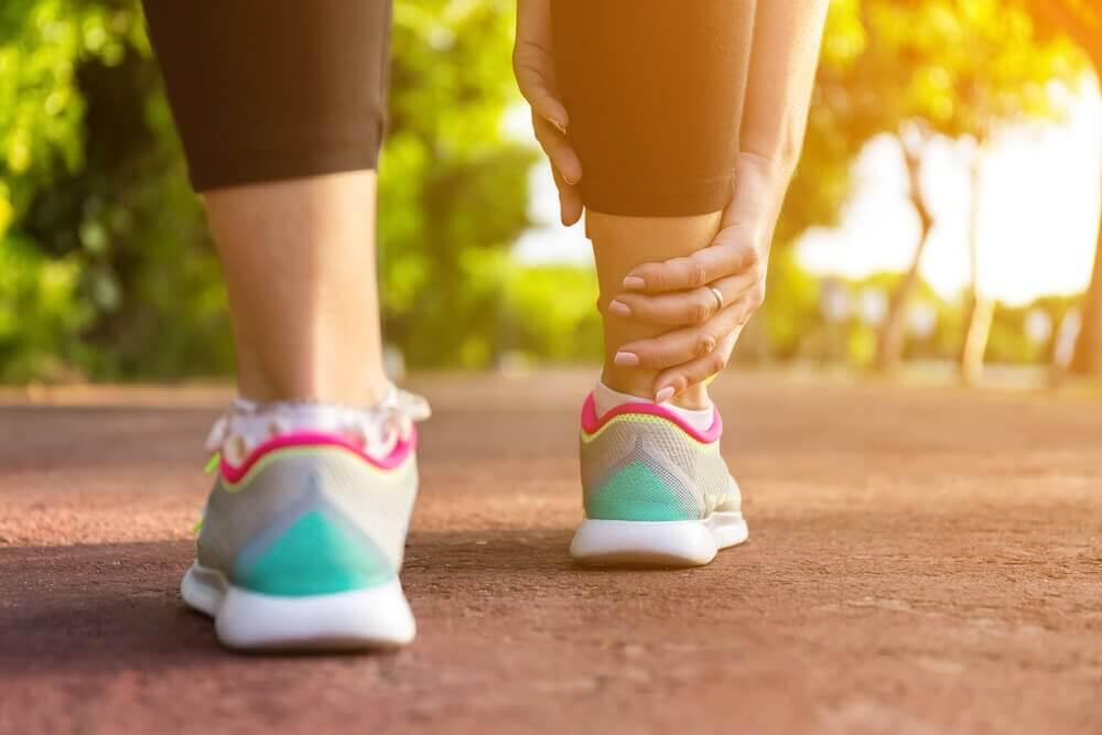 5 Hausmittel gegen geschwollene Beine