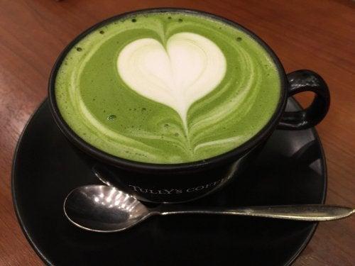 Grüner Tee kann deinen Körper mit Energie versorgen