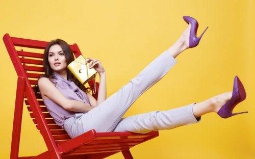 8 vorteilhafte Kleidungsstücke, die dich schlanker aussehen lassen