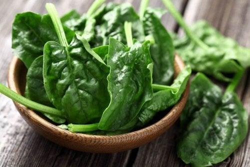 Spinat als Proteinquelle für Veganer