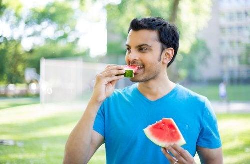 Tricks gegen Fressattacken - langsam essen