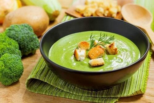 Leckere Suppen mit Brokkoli