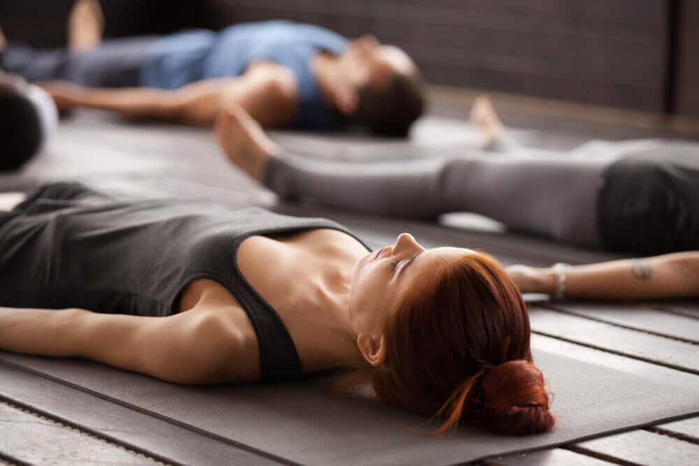 Yogaübungen für Einsteiger zuhause