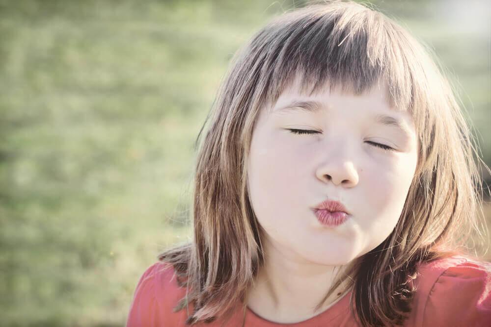 Zwinge deine Kinder nicht zum Küssen