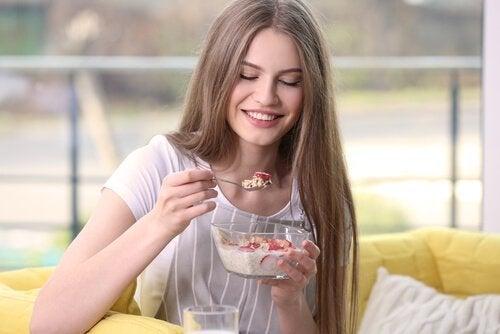5 Frühstücksideen mit Müsli zum Abnehmen