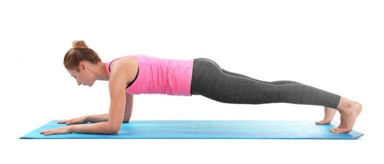 Abnehmen mit Yoga: wie häufig muss ich trainieren?