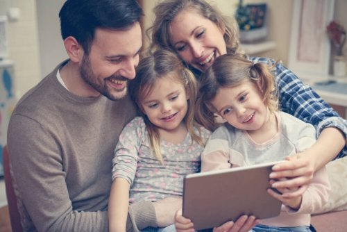 Familiäre Probleme als Ursache für Tablet-Sucht bei Kindern