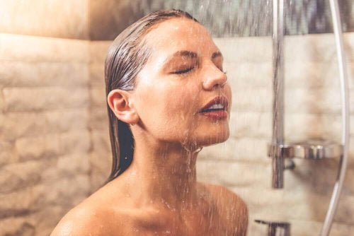heiße Dusche