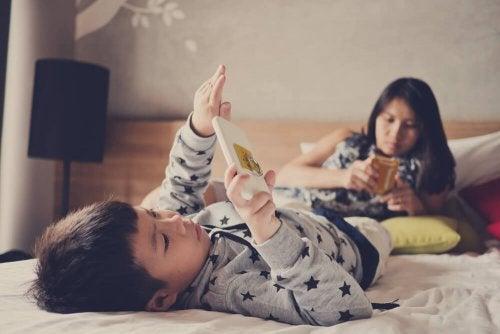 Tablet-Sucht bei Kindern: Was ist das?