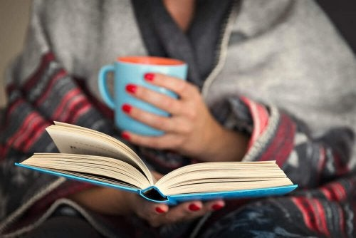 Lesen am Abend: Gut für dein Gehirn!