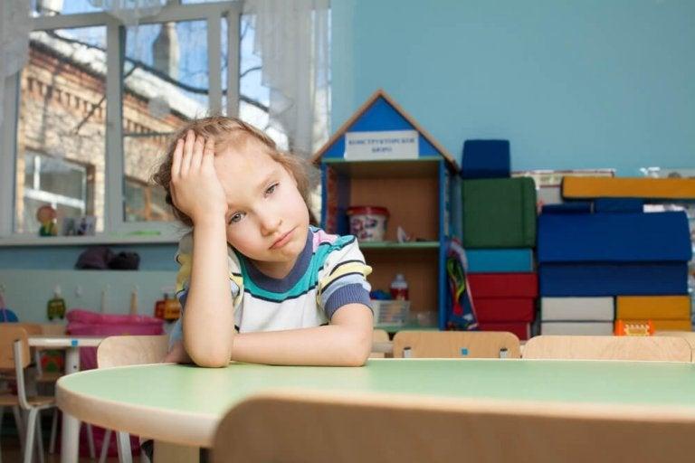Wenn Kinder durch Eile und Druck der Eltern Stress entwickeln