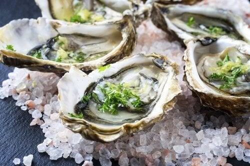 Rohe Austern können die Gesundheit gefährden