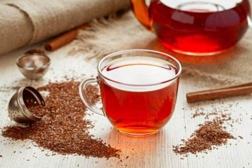 Rote Tees sind köstliche Abnehmentees