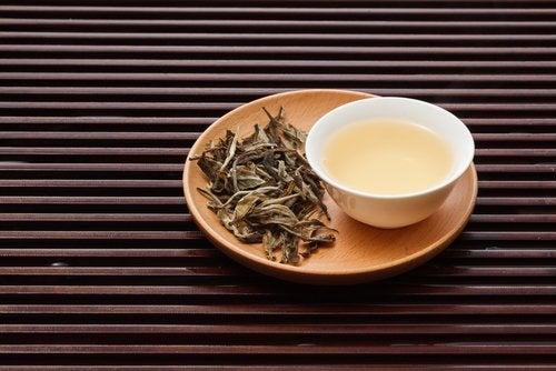 Weiße Tees sind köstliche Abnehmentees