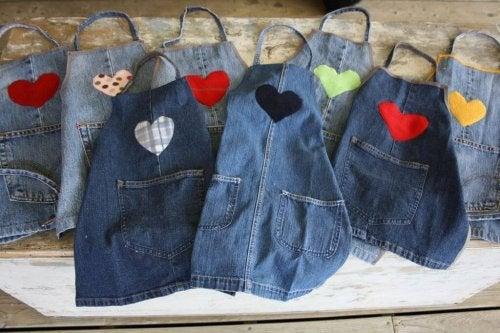 Alte Jeans machen neue Schürzen