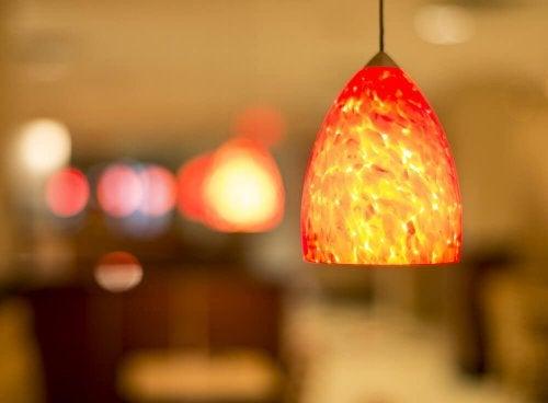 Hübsche Wohnzimmerlampen aus recyceltem Material
