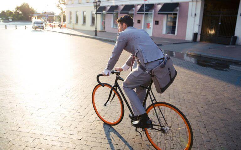 Mit dem Fahrrad zur Arbeit fahren reduziert Stress